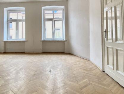 68 m2, 2 pokoje w kamienicy w centrum