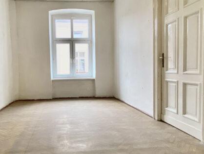54 m2, 2 pokojowe mieszkanie w kamienicy w centrum